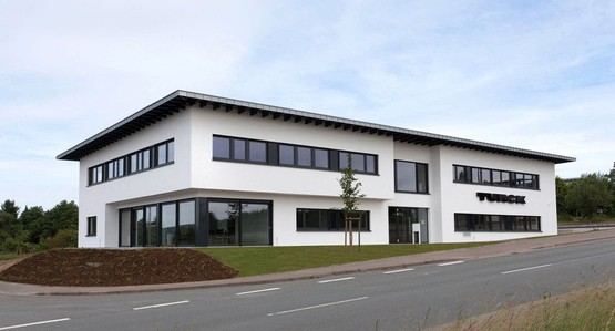 Die TURCK Electronics GmbH in Detmold ist eines der Kompetenzzentren der TURCK-Gruppe für die Entwicklung von Feldbus- und RFID-Systemen.